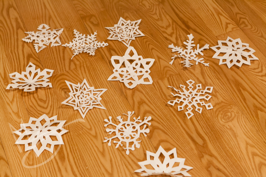 paper snowflakes (5 of 6)